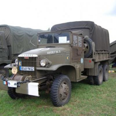 Du côté des militaires : GMC 6x6