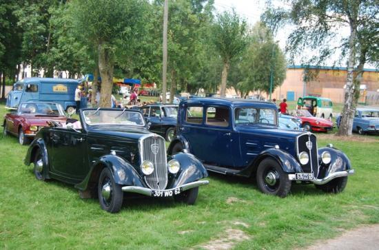 Le Club  01 présentait : 301 Cabriolet et 601C berline