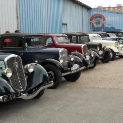Lors de la visite du musée de l'auto à Reims