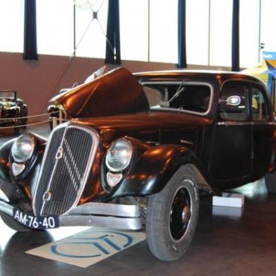 Traction 22cv berline (Réplica)