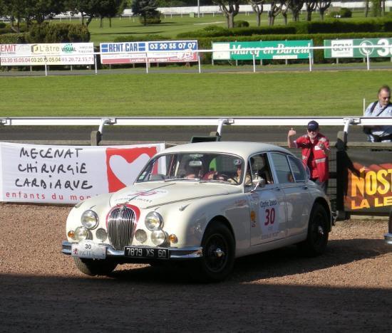 Jaguar MKII avec laquelle Bernard Consten a remporté le tour auto au d