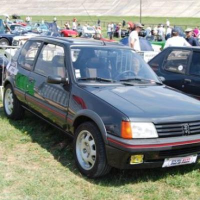 Les youngtimers étaient aussi de la fête : Peugeot 205 GTI