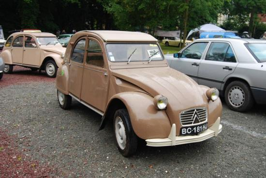 Simple mais splendide 2cv