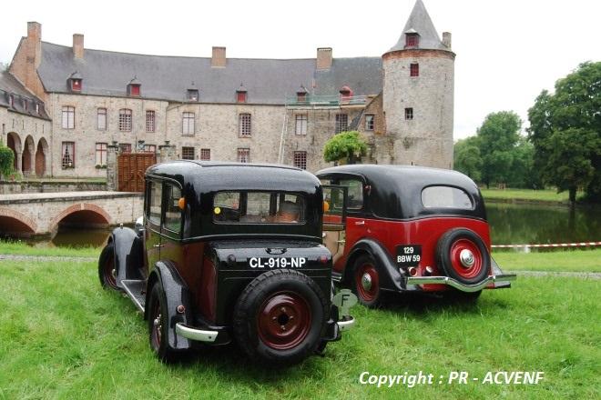 Renault Primaquatre & Peugeot 301 de dos