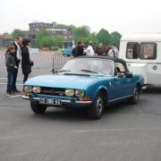 Route des vacances -  Peugeot 504 cabriolet et sa caravane