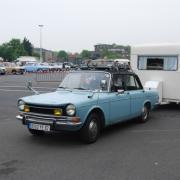 Route des vacances -  Simca 1300 et sa caravane