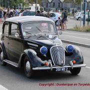 Simca 8 berline aux phares Blackout